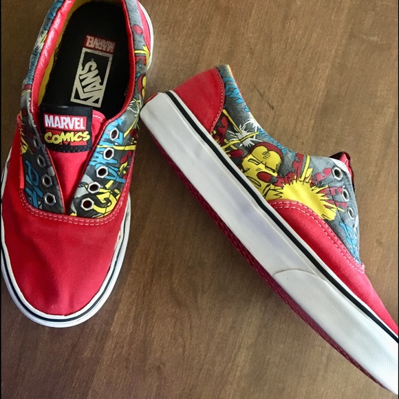 652aa77a5d VANS IRON MAN ERA RED THE AVENGERS MARVEL COMICS. M 5ae0adfe3afbbd38c3c53505